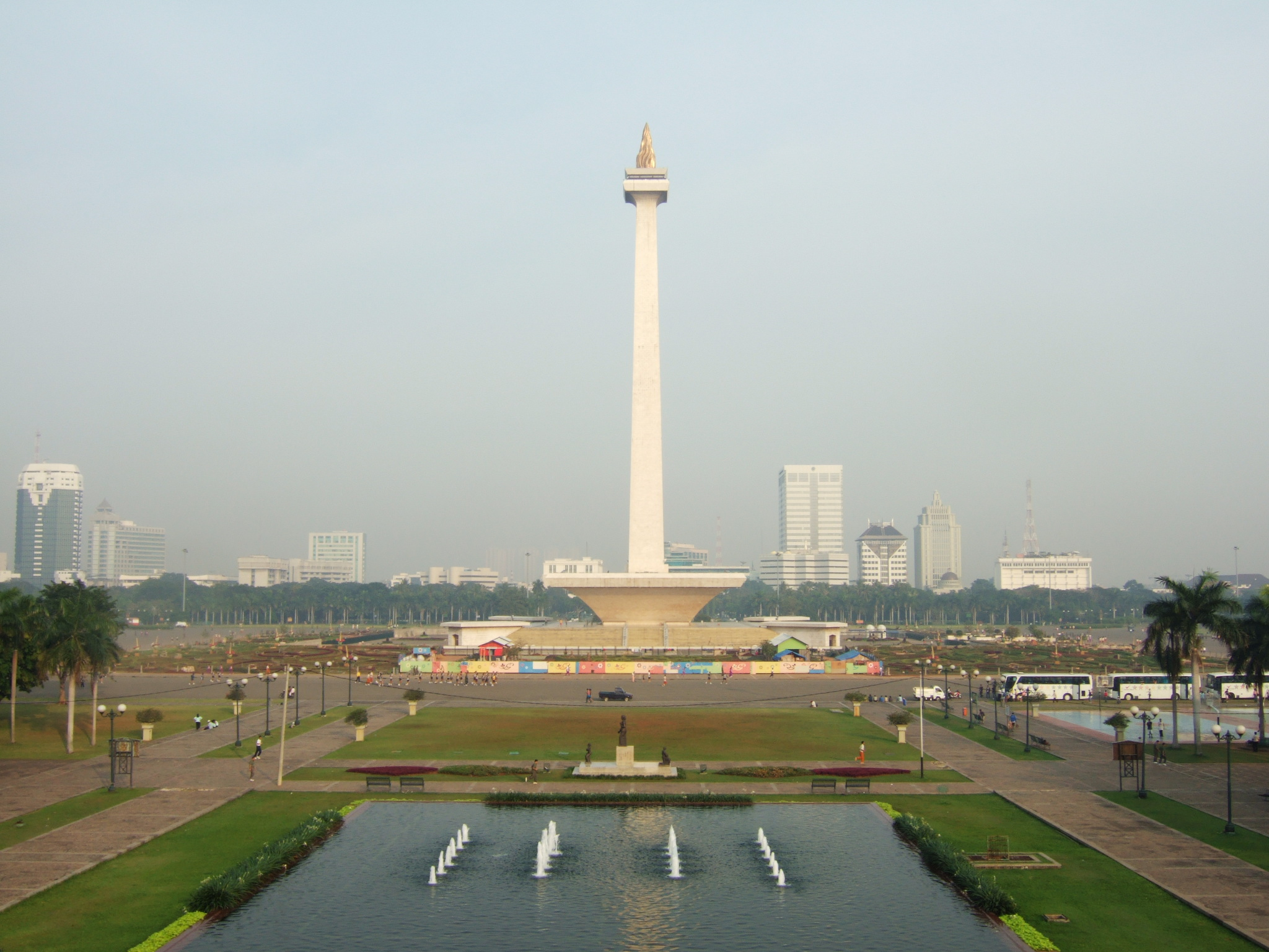 Who started the War? » Monas